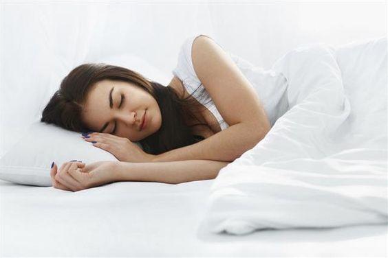 Комфортный сон при кормлении грудью фото