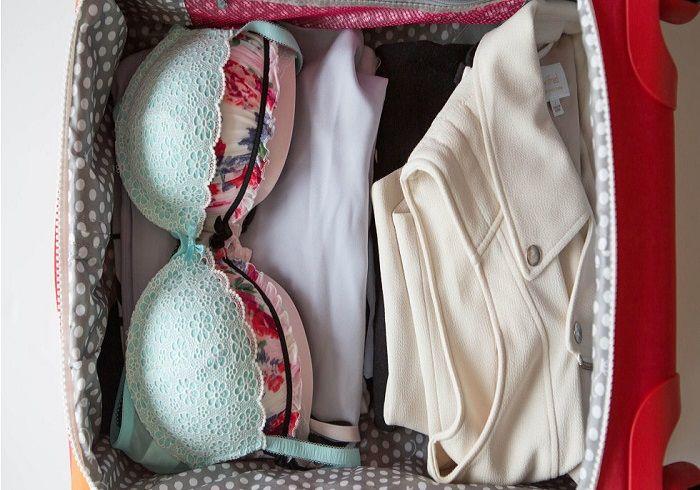 Правильно сложенные в чемодан бюстгальтеры фото