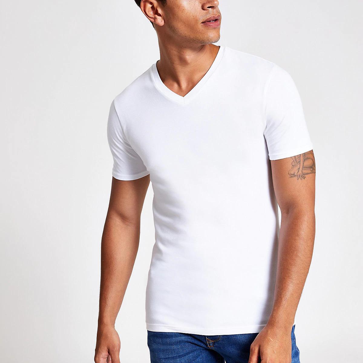 Мужская футболка с V-образным вырезом фото